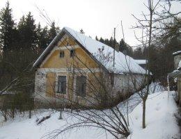 Rodinný dům s pozemky (les, louka) v obci Kámen, k.ú. Nízká Lhota, okr. Pelhřimov