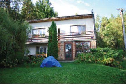 Rodinný dům s pozemky v obci Vlachovice