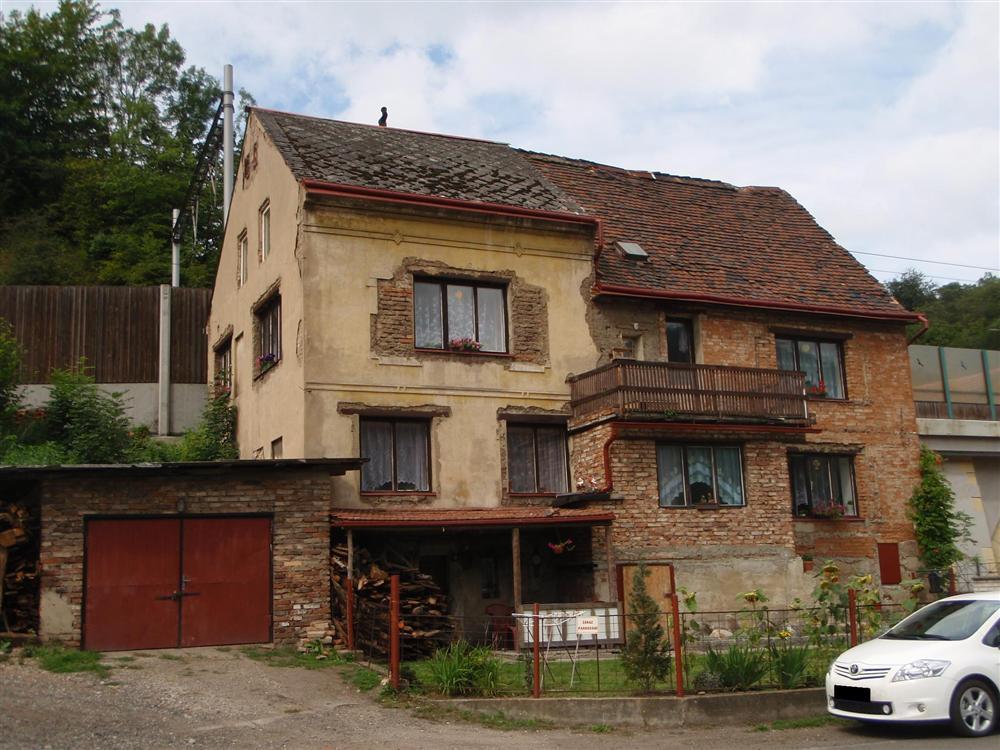 Dům v obci Dobkovice
