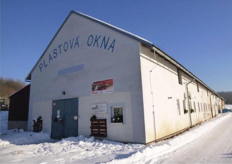 Stavba určena pro výrobu s pozemky v obci Rybník,