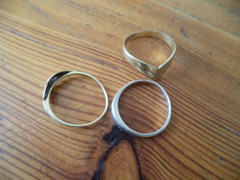 556e3bccf 3 prsteny – 1x zlato 14k, 1,7g, platný punc, 2x bižuterie - OKdražby.cz