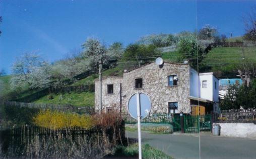 Podíl 1/2 domu s pozemkem v obci Malhostice
