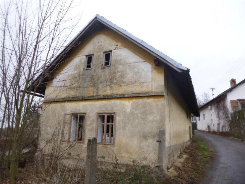 Rodinný dům v obci Kostelec u Heřmanova Městce, okr. Chrudim
