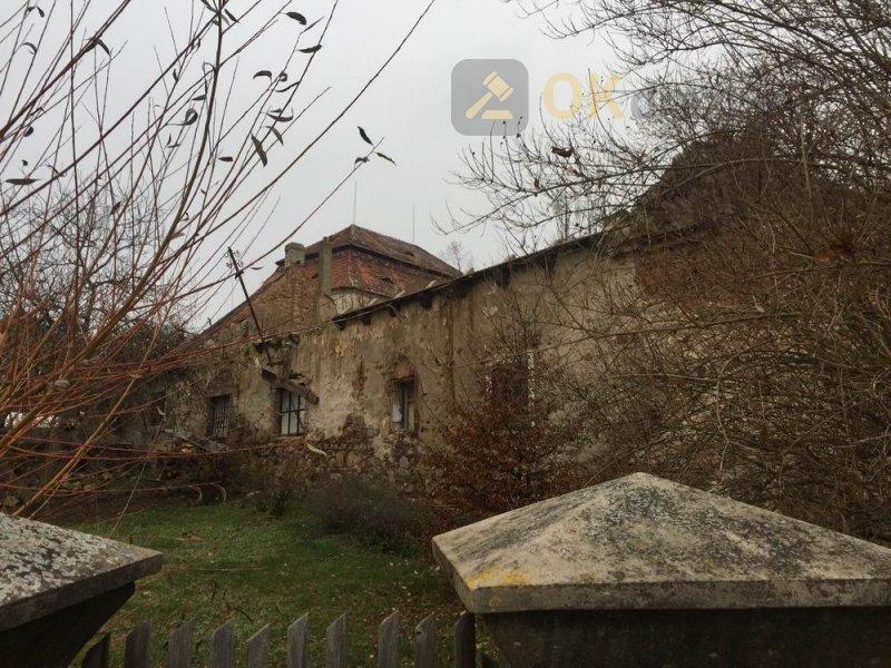 Areál bývalého lihovaru s pozemkem o celkové výměře 7 070 m2, v obci Hřebečníky, okres Rak