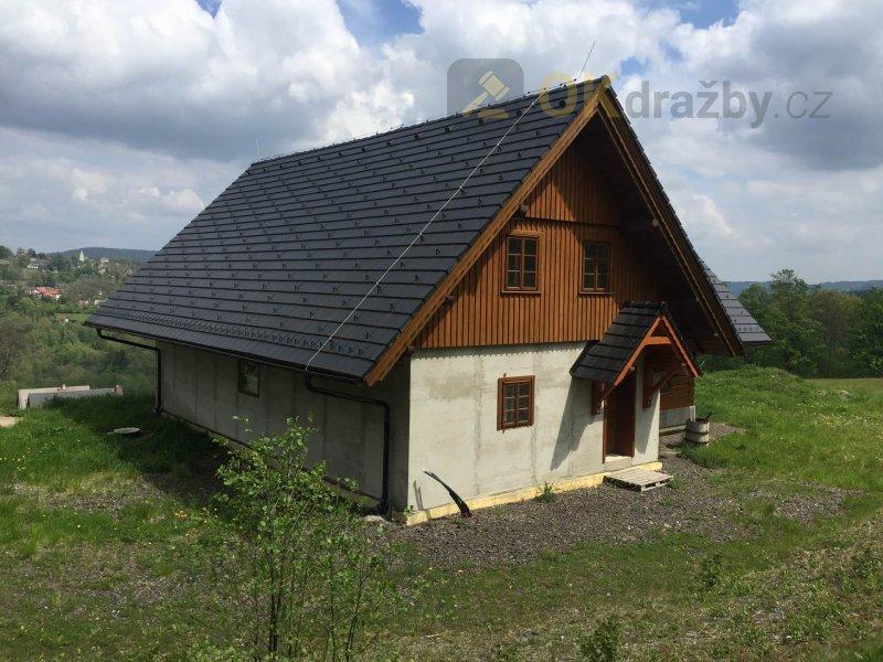 Ubytovací zařízení s pozemkem o celkové výměře  1 098 m2 v Jeřmanicích, okres Liberec