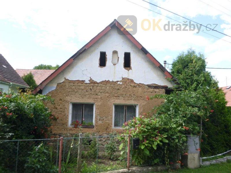 Podíl na rodinném domě v obci Jarov, okr. Plzeň-jih