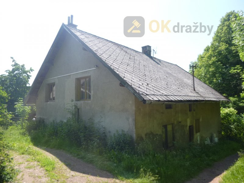 Podíl na rodinném domě a pozemích v obci Železnice, okr. Jičín