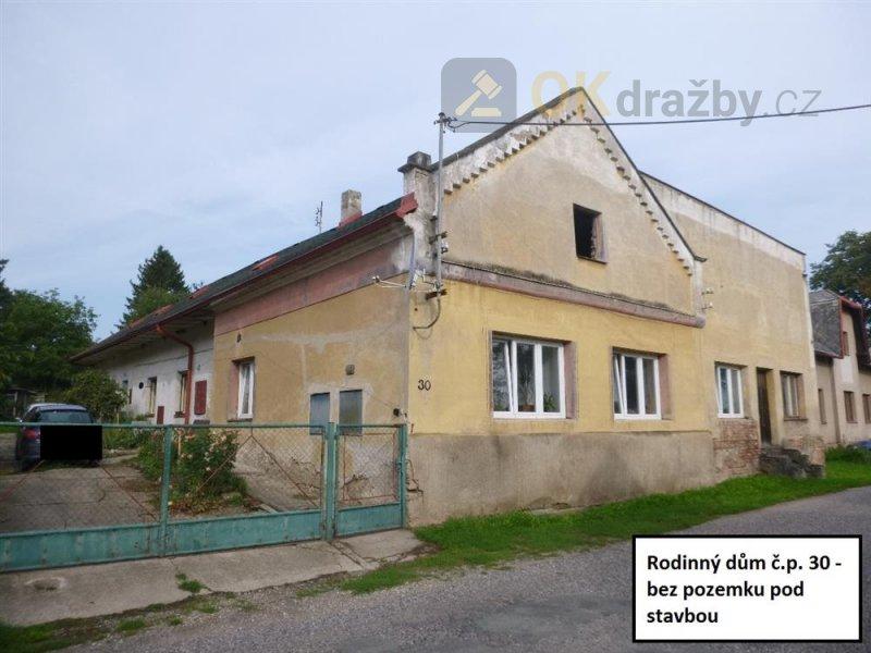 Podíl na rodinném domě v obci Zaloňov, okr. Náchod