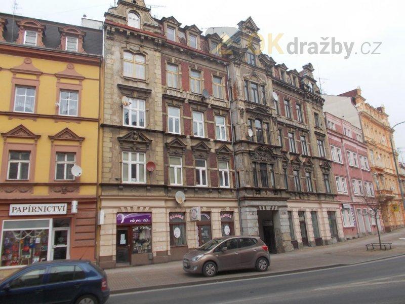Dražba spoluvlastnického podílu 1388/10000 bytového domu obec, okres Karlovy Vary