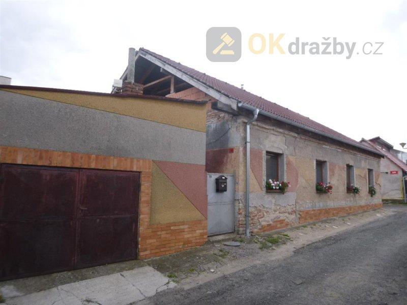 Rodinný dům v obci Pečky, okr. Kolín