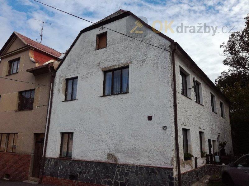 Rodinný dům v obci Bochov