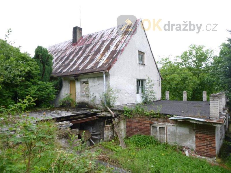 Podíl na rodinném domě v obci Sadov, okr. Karlovy Vary