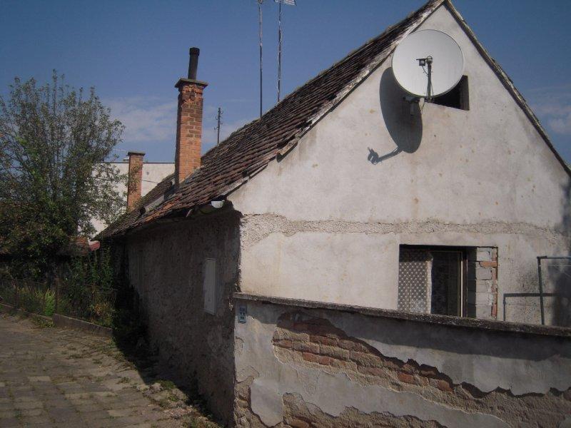 OPAKOVANÁ DRAŽBA - id. 1/2 RD v Bojanovicích, okr. Znojmo