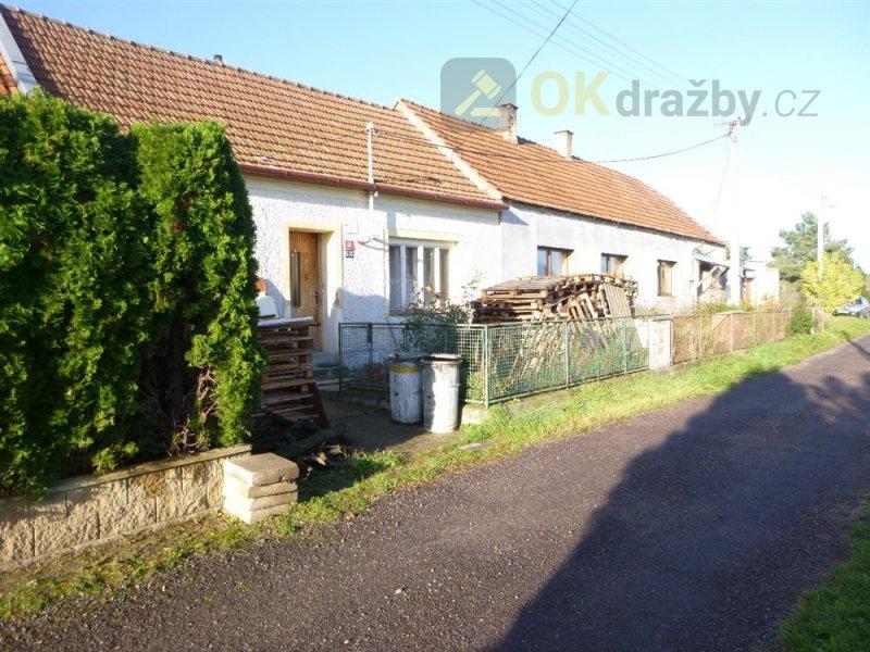 Rodinný dům v obci Miroslav, okr. Znojmo