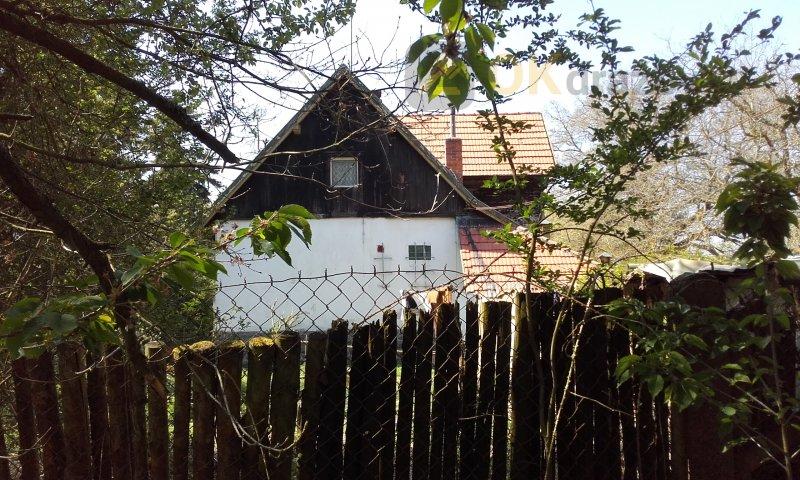 id. podíl o vel. 3/4 - rod. dům (hájovna) se zahradou v obci Chotěšov, č.p. 493
