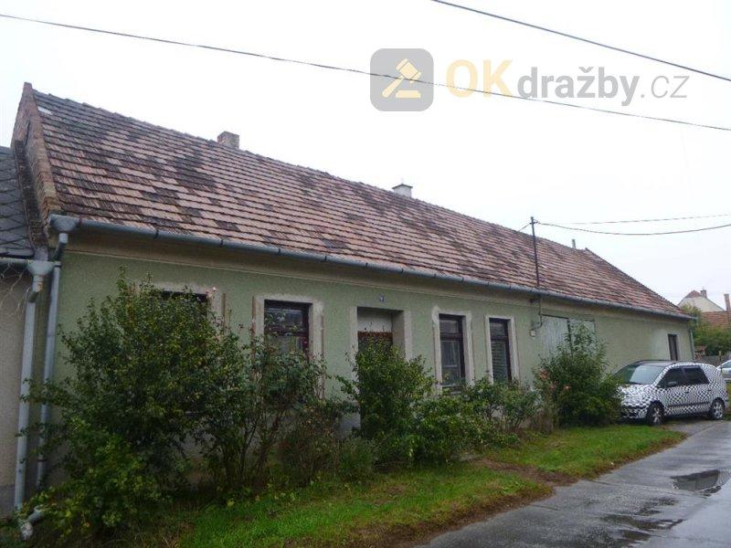 Rodinný dům v obci Domanín, okr. Hodonín