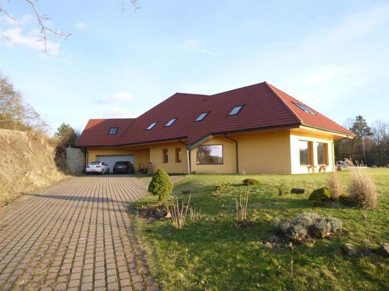 Rozestavěný rodinný dům v obci Provodín, okr. Česká Lípa
