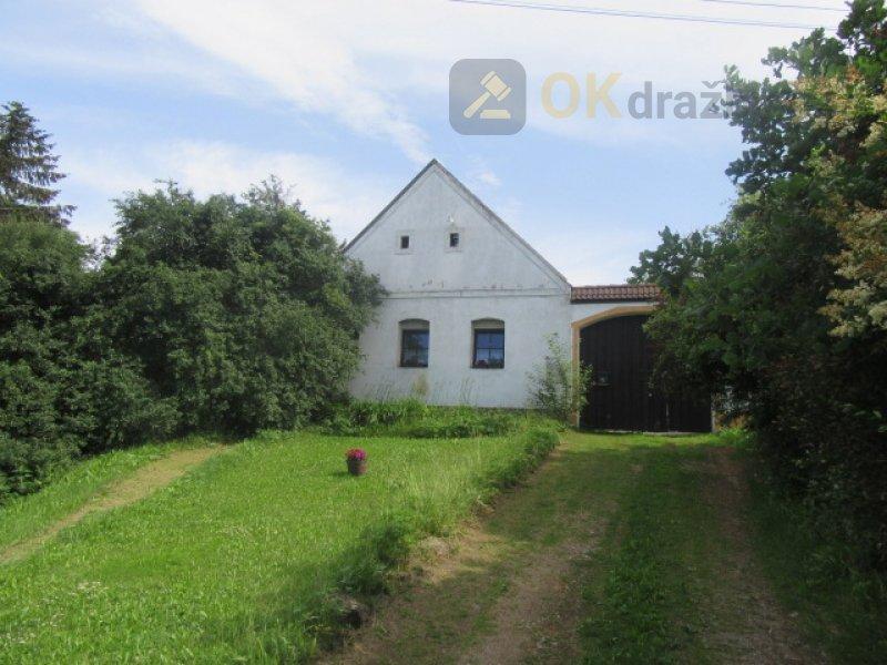 Rodinný dům v obci Dešná, k.ú. Hluboká u Dačic, okres Jindřichův Hradec