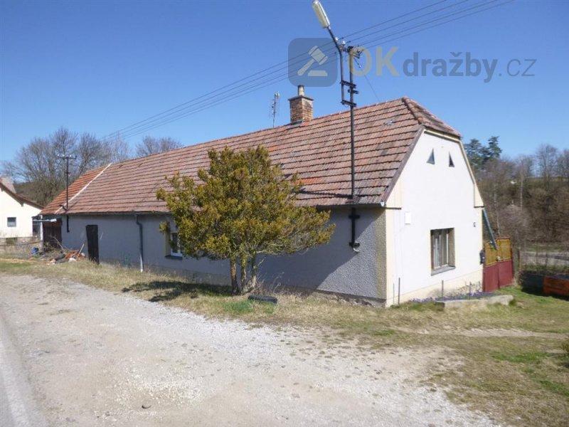 Podíl na rodinném domě v obci Radošovice, okr. Strakonice