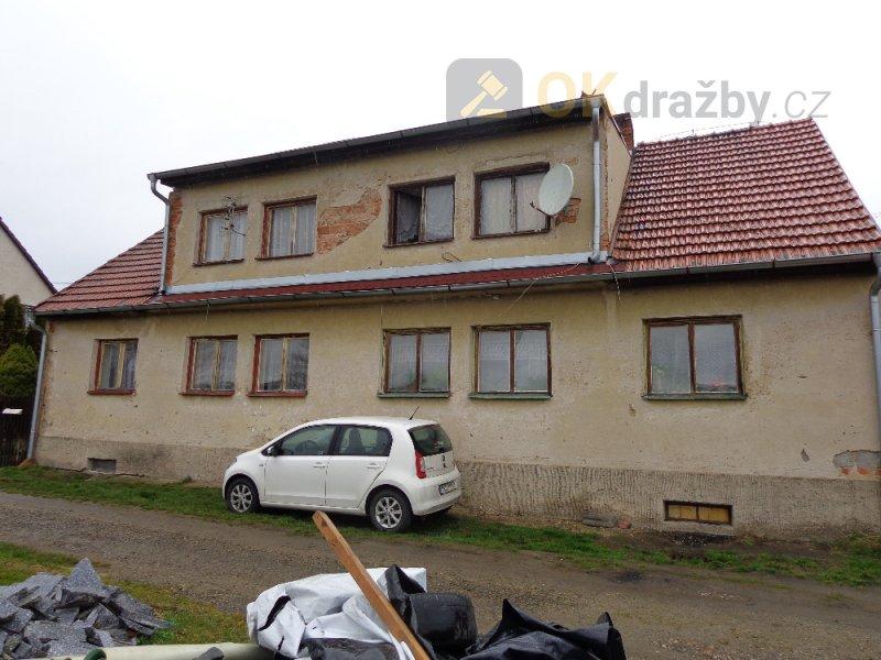 Rodinný dům (levá část dvojdomku) v obci Neustupov, k.ú. Jiřetice u Neustupova, okres Bene