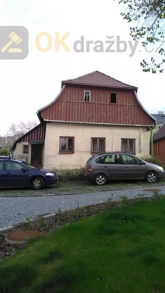 Rodinný dům s pozemky v Lomnici nad Popelkou