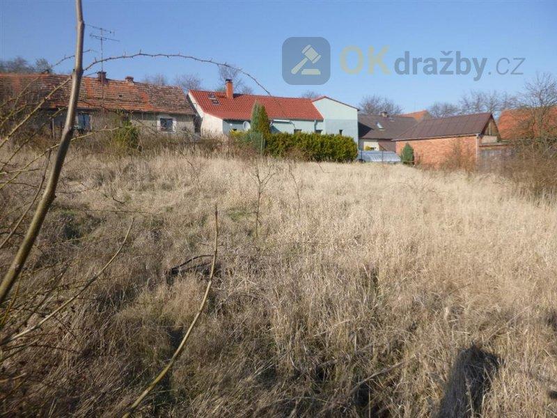 Podíl na pozemku v k.ú. Pnětluky, okr. Louny