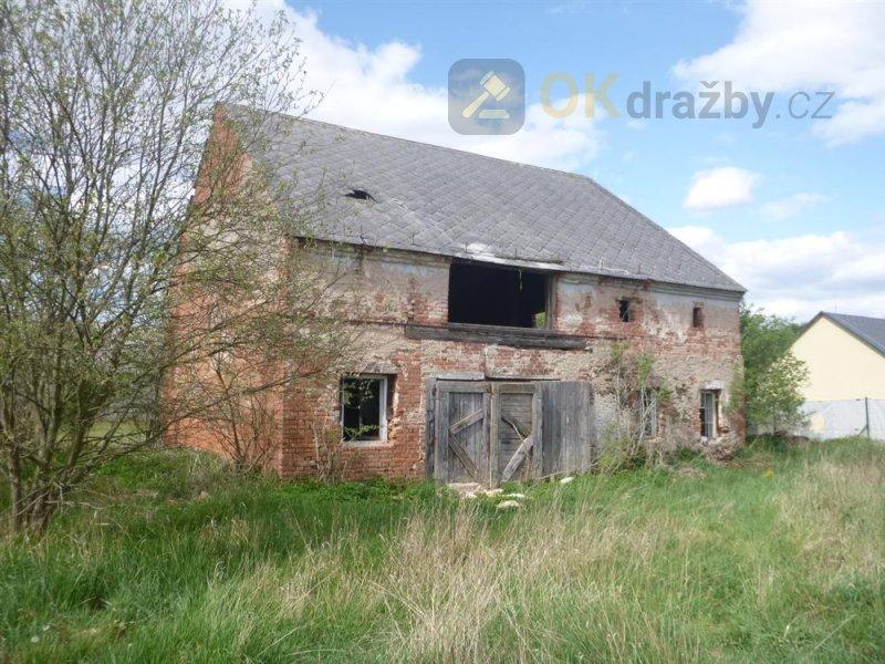 Zemědělský objekt v obci Pšov, okr. Karlovy Vary