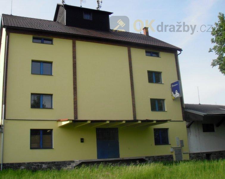 Komerční objekt skladů a kanceláří v obci Bohuňovice, Olomoucký kraj