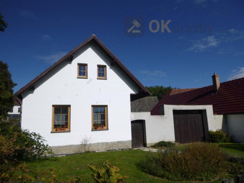 Rodinný dům v obci Březina u Deštné