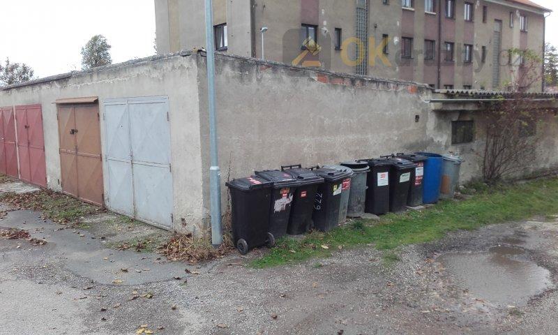 Pozemek pod garáží v Buštěhradu