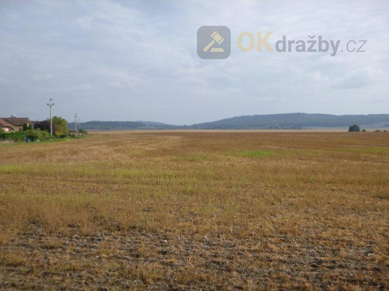 Podíl na zemědělském pozemku v k.ú. Březno u