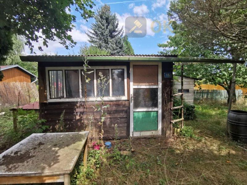 Rekreační chata s pozemky v obci Chlumec, k.ú.