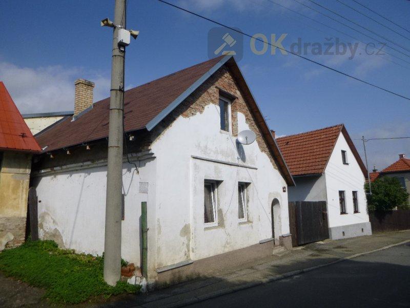 Rodinný dům se zahradou v obci Loučka, okr. Vsetín