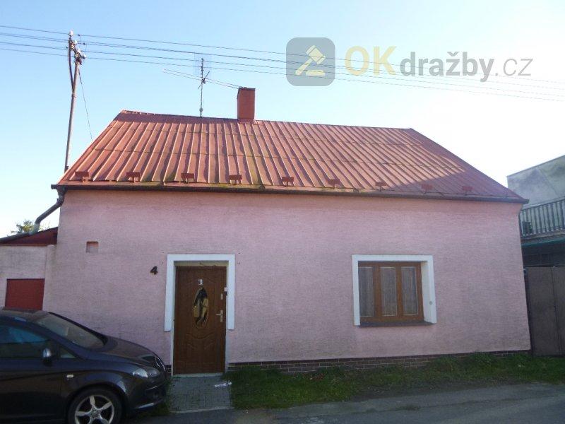 Rodinný dům v obci Město Albrechtice, okr. Bruntál