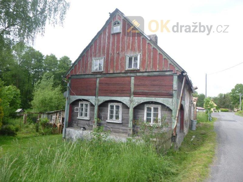 Rodinný dům s pozemky v obci Krásný Les, okr.