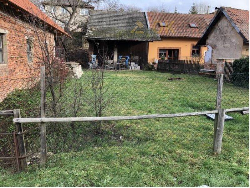 Podíl 1/3 zemědělské stavby a zahrady - Zvole