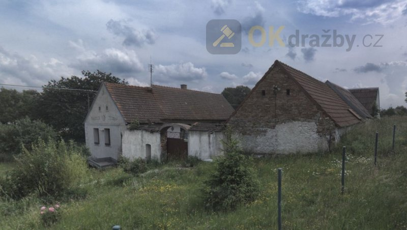 Nedobrovolná dražba RD s pozemky 3 975 m² v obci
