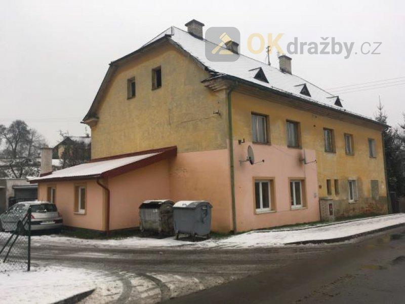 podíl 2139/4375 rodinného domu a zahrady - Horní
