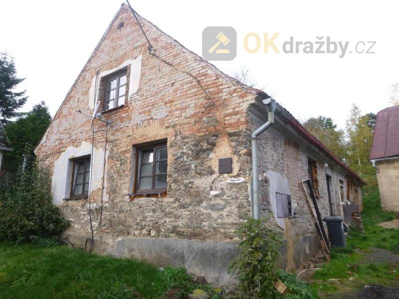 Dům v obci Ošelín